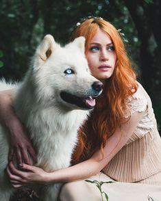 | retrato | retratos femininos | ensaio feminino | ensaio externo | fotografia | ensaio fotográfico | fotógrafa | mulher | book | girl | senior | shooting | photography | photo | photograph | nature | ruiva | redhead | ginger | wolf | lobo | dog | cachorro | husky