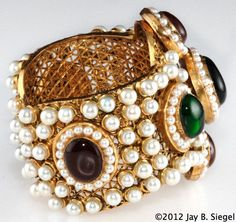 CHANEL Red & Green Gripoix Cuff