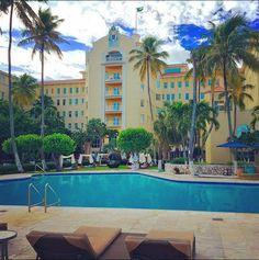 Poolside at the British Colonial Hilton in Nassau. via @iamdaniellynam