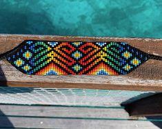 Artículos similares a Indigenous Beaded Bracelet en Etsy Bead Loom Designs, Beadwork Designs, Bead Loom Patterns, Hama Beads, Seed Beads, Native Beading Patterns, Loom Beading, Reggae, Pattern Fashion