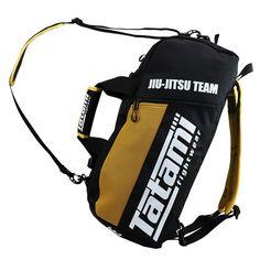 The Tatami Fightwear Jiu Jitsu gear bag is a convertible back pack gym bag.  SárgaUtazásSporttáska 6942efa68b