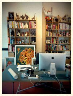 Studio des Illustrators Dieter Braun in Hamburg, #creative #office# desk <<< repinned by www.BlickeDeeler.de