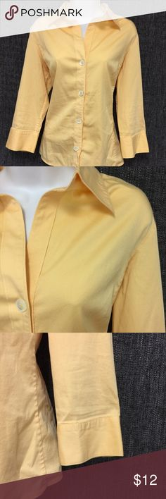 """The Banana Republic Women's Shirt L Light Orange The Banana Republic women's Shirt Size L color Light Orange button Down Stretch  Length: 25"""" Shoulder: 16"""" Chest: 18"""" Sleeves: 18"""" Hem: 19"""" (Above measurements are approximations and for reference only.) Condition: Excellent We try to describe the product true to its condition. However, personal opinions about the product condition may vary. Please message us with any questions before buying. Also, please understand that some pre-owned clothes…"""