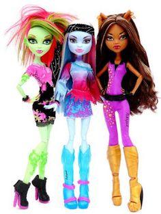 Venus, Abby and Clawdeen by Picklepud