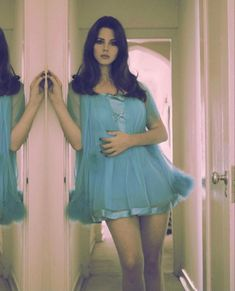 Lana Del Rey Outfits, Pretty People, Beautiful People, Divas, Elizabeth Grant, Queen Elizabeth, Indie, Lana Del Ray, Look Cool