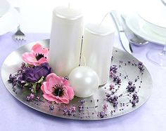 Le Lot de 5 Guirlandes Fil Perles. Décorez votre évènement grâce à mariage.fr, numéro 1 des boutiques de décoration mariage en France. décoration mariage, decor mariage, wedding, bougie, candle, violet, purple.