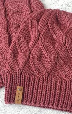 crochet braids We knit a hat with a false braid pattern. Lace Knitting Patterns, Knitting Stitches, Knitting Designs, Baby Knitting, Knitting Wool, Knitting Socks, Knitting Needles, Diy Crafts Knitting, Knit Crochet