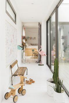 Una casa familiar de en Biarritz · A family friendly home in Biarritz Decoracion Vintage Chic, Wooden Bedroom, Scandinavian Home, Home And Deco, Play Houses, Interior Inspiration, Hallway Inspiration, Design Inspiration, Design Ideas