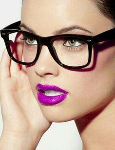 df6a56f04aa67 Olhar Melhor Maquiagem, Dicas De Maquiagem, Cores De Batom, Modelos De  Óculos,