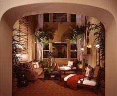 Sử dụng tường màu đậm để mang không khí ấm áp vào căn phòng khách