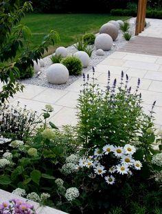 Fresh and Beautiful Front Yard Landscaping Ideas (34) #LandscapingIdeas