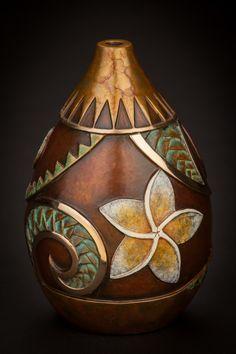 McDonald on Beautiful Artwork Decorative Gourds, Hand Painted Gourds, Painted Pots, Hawaiian Home Decor, Hawaiian Art, Bronze Sculpture, Sculpture Art, Sculptures, Sculpture Ideas