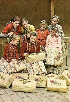 Folk Costume, Costumes, Hungarian Embroidery, Folk Dance, Vintage Postcards, Old Things, Culture, Times, Hungary
