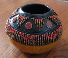 Gourd art by Patti Jo Newsom. Design techniques, information and supplies. Gourd art for sale. Pottery Painting Designs, Pottery Art, Pottery Ideas, Kalash Decoration, Pine Needle Crafts, Bead Bowl, Perfumes Vintage, Decorative Gourds, Painted Gourds