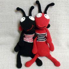 fourmi-au-crochet-rouge-noire