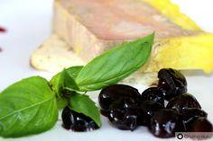 Terina de foie gras cu sos de fructe de padure