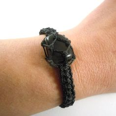 Looking a gift idea for Dad ? This black onyx macrame bracelet is a catch! A discreet yet wild jewel which brings inner strength, healing and protection to you!    BLACK ONYX, the inner strength booster.    Black Onyx is one of the most powerful protective stones. It absorbs and transforms negative energy. Prevents the drain of personal energy. Relieves stress and brings emotional stability. Increases the growth of emotional and physical strength and stamina, particularly during times of…