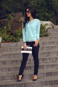 7 Amazing Spring and Summer Outfits to pack now I love everything about this summer outfit. Lovely Summer Fresh Looking Outfit. The Best of street fashion in Cool Outfits, Casual Outfits, Fashion Outfits, Womens Fashion, Fashion Ideas, Jean Outfits, Work Looks, Denim Outfit, Casual Looks