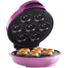 Nonstick Electric Food Maker Mini Donut Maker from Brentwood Appliances is the sweetest thing you could buy yourself. You can make up to 7 mini donuts in just a few minutes. When using Donut Maker, a preheat indicator light will inform you when the p Mini Donuts, Doughnut, Tabletop, Healthy Donuts, Griddle Cakes, Electric Foods, Specialty Appliances, Mini Foods, Donut Recipes