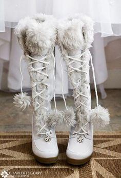 2a43742f6c12 43 Stunning Cold Weather Wedding Ideas