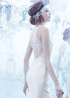 O efeito Tule Ilusion caiu nas graças das noivinhas de plantão, e é o hit entre os vestidos de noiva da última temporada. Veja mais sobre essa tendência: