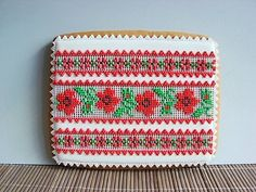Lace Cookies, Flower Cookies, European Fashion, European Style, Cookie Decorating, Gingerbread Cookies, Zip Around Wallet, Embroidery, Crafts