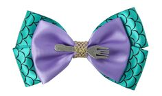 Absolutely completely fucking Obsessed with this Ariel Bow!!!!! <3 NEED THIS. SO PERFECT! >.< The Ultimate Gift Guide for The Little Mermaid Fans