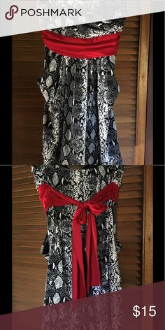 Cute strapless Dress Dress with pockets & red ribbon tie back; bust is lined. Excellent shape. Dresses Strapless