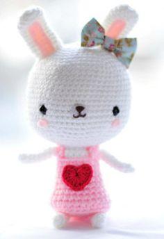 Amigurumi Doll Furniture : Crocheted Dolls House Furniture - Armchair Pattern ...