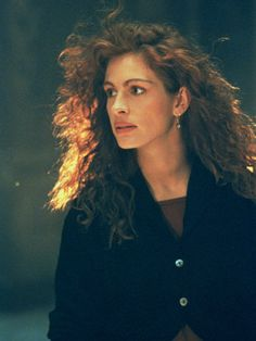 Pin for Later: 38 Roles That Prove Julia Roberts Is America's Sweetheart Flatliners Eric Roberts, Julia Roberts Style, Erin Brockovich, Richard Gere, Hollywood, American Actress, Pretty Woman, Role Models, Movie Stars