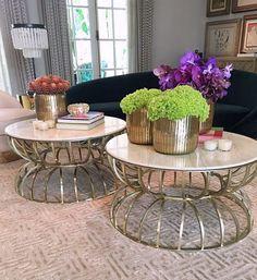 As mesas e o meu sofá dos sonhos atual na festa de ontem 😍 com décor do @bruno_carvalho já quero levar tudo para o nosso Studio Theodora Home 📍