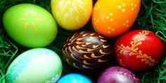 Jedes Jahr zur Osterzeit werden in dem meisten Familien Mengen von Ostereiern gefärbt. Die geliebten Ostereier mit Pflanzenfarbe färben.