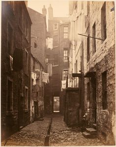 The old closes and streets of Glasgow by Thomas Annan between 1868 and 1871