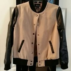 Jacket Worn 1 season, does have some show of wear (picture 3) still has a lot of life left in it. Forever 21 Jackets & Coats