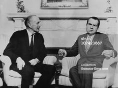 FOREIGN SECRETARY (KINGSTON)_1970-74 UK's Foreign Secretary interviewing Nixon_arm chairs