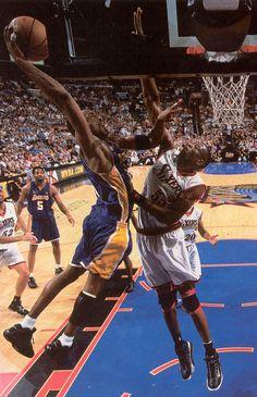 Kobe Bryant - Dikembe Mutombo New Hip Hop Love And Basketball, Basketball Legends, Basketball Pictures, Nba Players, Basketball Players, Basketball Court, Dodgers, Dikembe Mutombo, Kobe Bryant Pictures