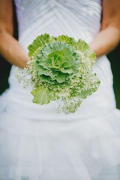 ©Davidone - Mariage a La ferme d'en chon a Biscarosse - La mariee aux pieds nus Mint Color, Bridal, Wedding Pics, Weeding, Marie, Floral Design, The Originals, Green, Boutonnieres
