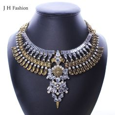 1000 images about colliers fantaisies on pinterest rhinestone necklace elegant woman and. Black Bedroom Furniture Sets. Home Design Ideas