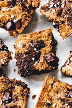 Chocolate Chunk Zucchini Blondies Bars (almond butter or better than pB peanut butter, psyllium husk, zucchini)) Healthy Dessert Recipes, Vegan Desserts, Vegan Recipes, Amish Recipes, Dutch Recipes, Baking Recipes, Yummy Recipes, Free Recipes, Sin Gluten