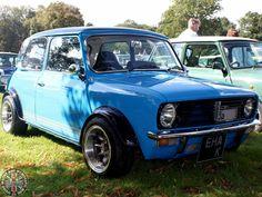 Mini Countryman, Mini Clubman, Classic Mini, Classic Cars, Minivan, Weird, Posts, Facebook, Awesome