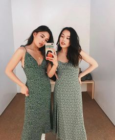 + in the Talita Dress and Peridot Dress. Ref Reformation Mode Simple, Mode Inspiration, Character Inspiration, Fashion Outfits, Womens Fashion, Style Guides, Bohemian Style, Dress To Impress, Designer Dresses