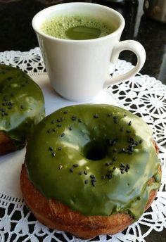 April 11, 2015 MATCHA GREEN TEA DOUGHNUTS #vegan www.veggiegalaxy.com