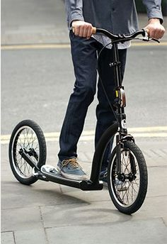 Discover the SwiftyZERO adult scooter - the new way to train. Electric Bike Kits, Best Electric Scooter, Scooter Bike, Kids Scooter, Scooters, Karting, 4 Wheel Bicycle, Scooter Storage, Scooter Design
