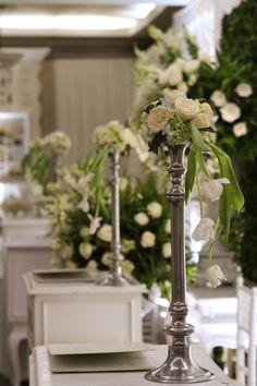 #decor #mawarprada #dekorasi #pernikahan #elegant #pelaminan #wedding #decoration #romantic #jakarta more info: T.0817 015 0406 E. info@mawarprada.com www.mawarprada.com