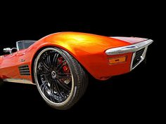 Here comes the sun! A classic American muscle car, a 1972 Corvette Stingray with custom tangerine orange candy paint. #musclecars #americanmuscle #carporn #coolcars