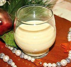 10 nejlepších receptů na domácí vánoční likér | ReceptyOnLine.cz - kuchařka, recepty a inspirace Glass Of Milk, Panna Cotta, Food And Drink, Cookies, Drinks, Ethnic Recipes, Smoothie, Handmade Gifts, Diy