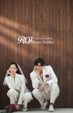 Wedding Dresses A Line White Korean Wedding Photography, Wedding Couple Poses Photography, Couple Photoshoot Poses, Pre Wedding Photoshoot, Pre Wedding Poses, Wedding Couple Photos, Wedding Couples, Couple Look, Girl Couple