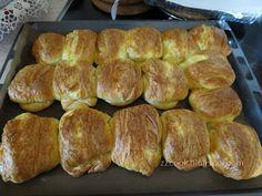 Ζουζουνομαγειρέματα: Τυρόπιτες πακετάκια με σπιτική σφολιάτα μαγιάς! Mykonos Island, Greek Recipes, Family Meals, Bakery, Food And Drink, Pie, Bread, Cooking, Breakfast