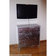 MOBILE ARMADIO Comò in Ferro Battuto . Realizzazioni Personalizzate . 851 Cabinet Furniture, Wrought Iron, Dresser, Flat Screen, Blood Plasma, Powder Room, Wall Entertainment Center, Stained Dresser, Flatscreen