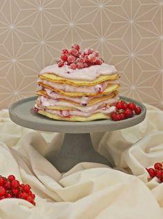 Pancake Cake with red berries / Pfannkuchen Torte mit Beeren